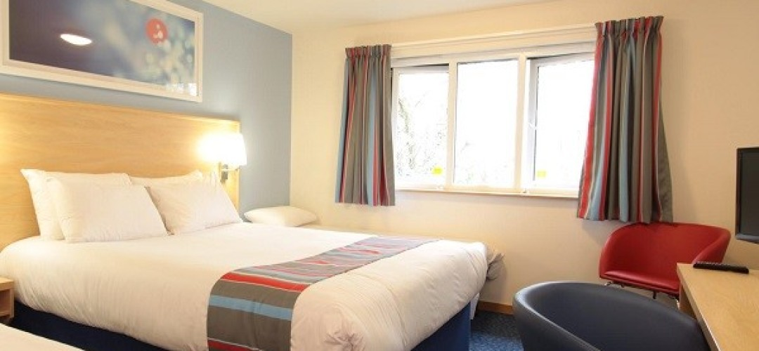 Only Fools & Corpses from £125pp Triple Room