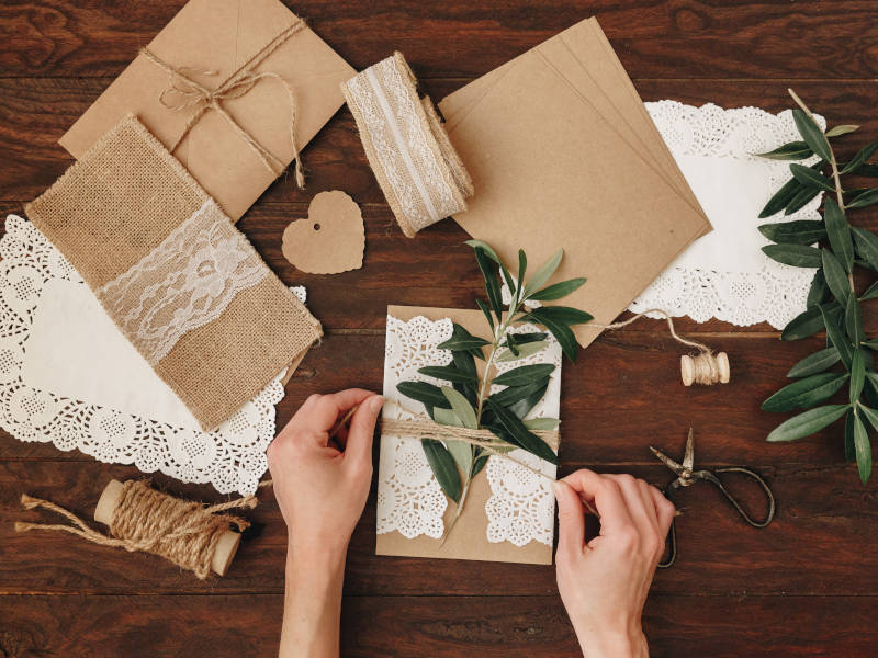 Make your own invites when planning a DIY wedding